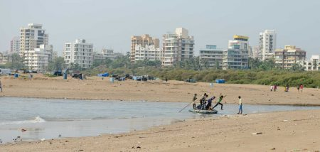 Mumbai : Juhu Beach : October 2012 : raft
