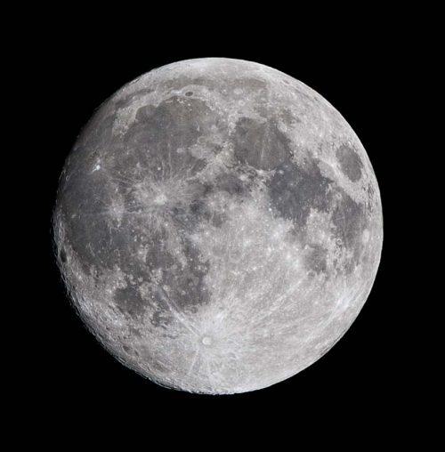Full Moon at 400mm