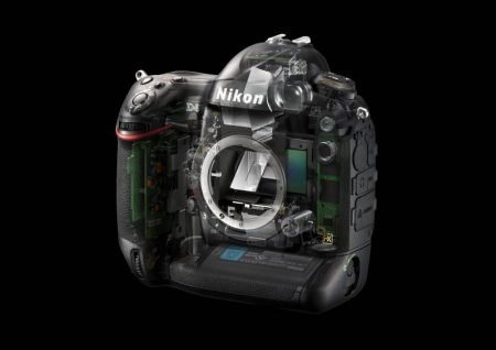 Nikon D4 guts