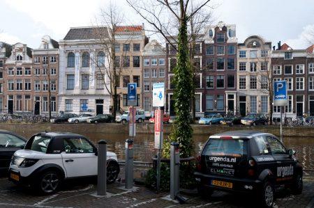 Amsterdam Dec 2011 electric car plug in
