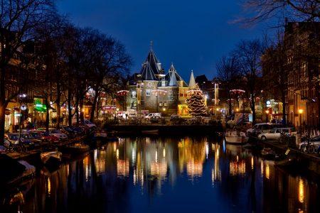 Amsterdam Dec 2011 night long exposure hdr