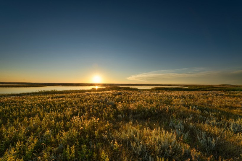 Alberta Visit Aug 2012 : Sunset at the Newell Lake