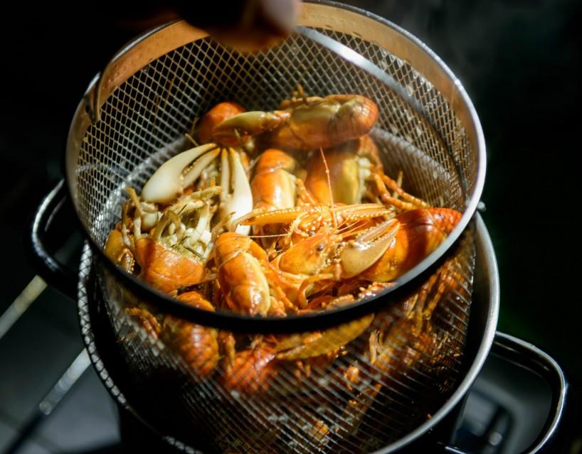 Alberta Visit Aug 2012 : Cooked Crayfish at Newell Lake