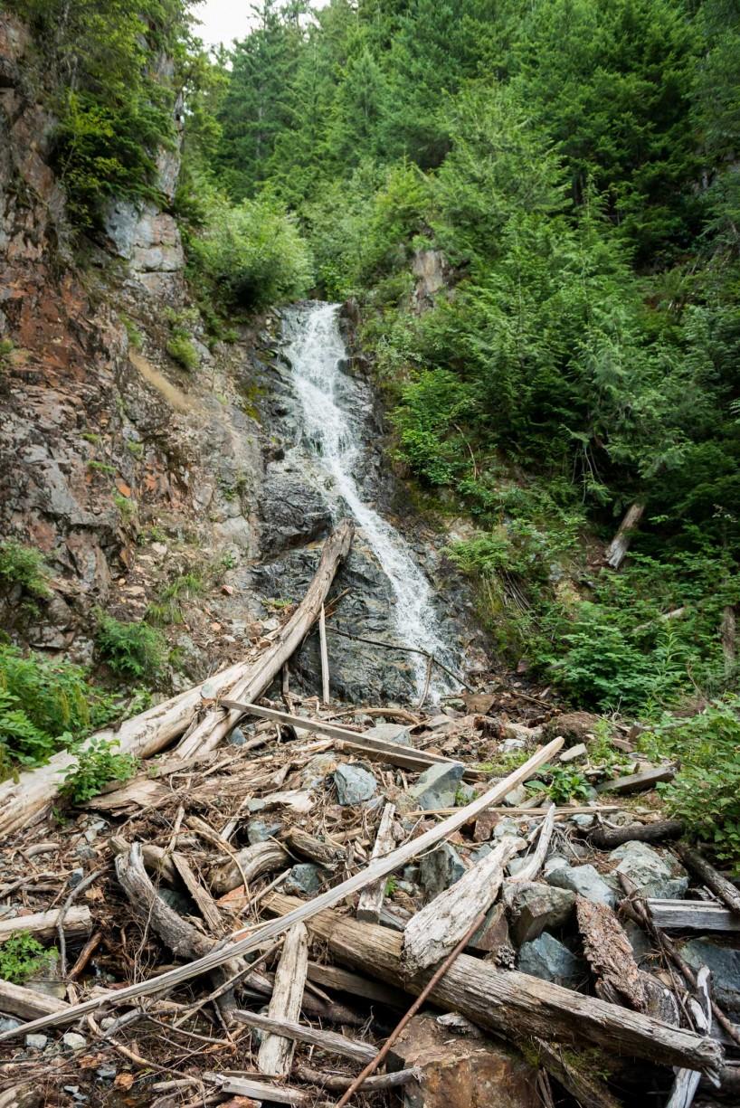 Lions Binkert Trail Hike Vancouver - 2012-08-18 : waterfall