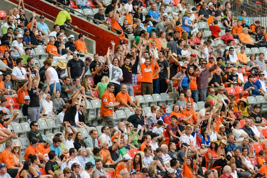 CFL Football : BC Lions vs Montreal Alouettes : Sept 8 2012 : The Wave