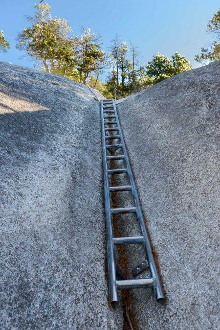 Stawamus Chief - South Peak - Squamish BC - 2012-09-13 : Ladder 2