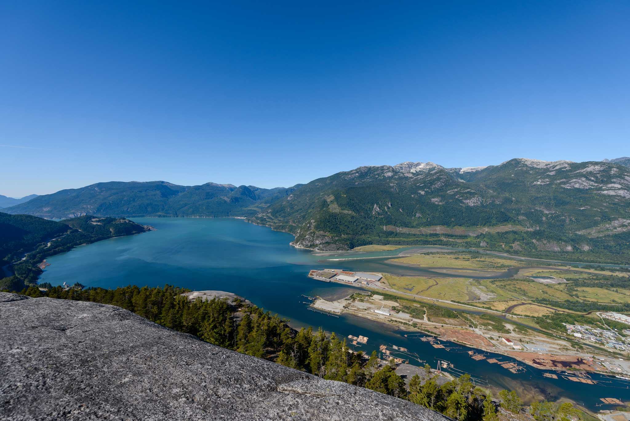 Hiking Stawamus Chief South Peak Squamish Bc Canada