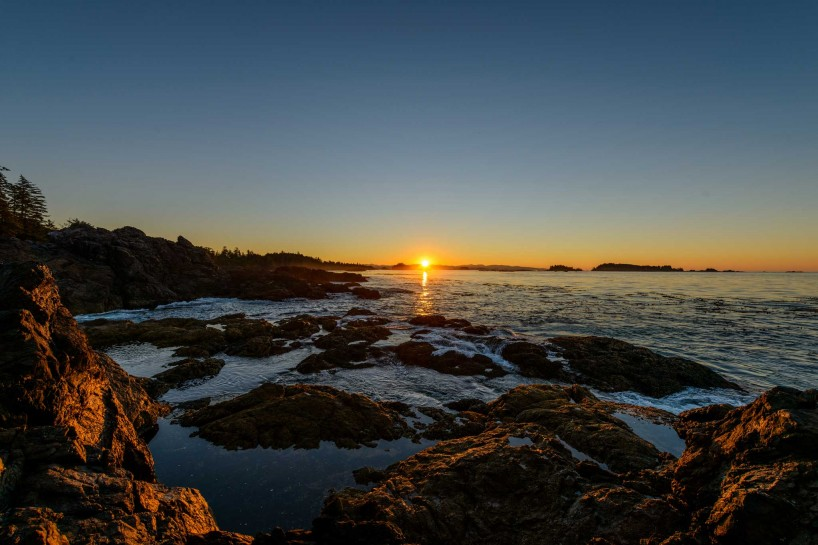 Ucluelet BC Vacation : 2012-10 : Sunrise Lighthouse (Tofino MCTS Centre) 2