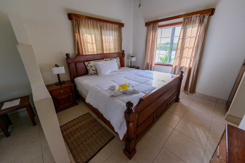 2012-11-30 : Belize Vacation : Coco Plum Island Resort : Cabana Interior