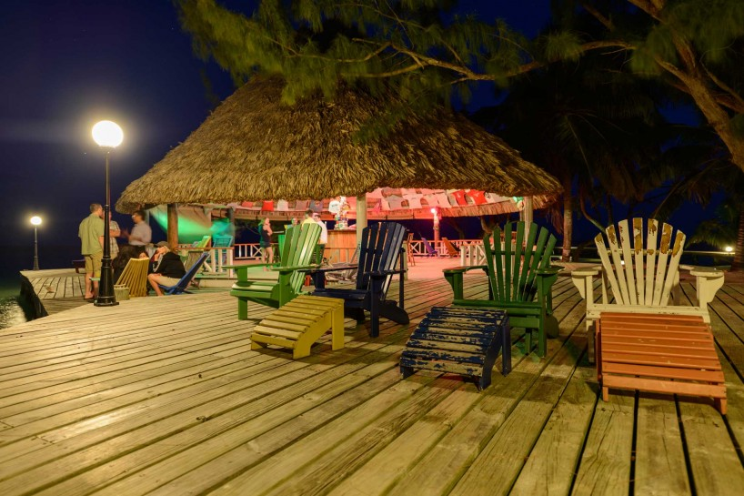 2012-12-02 : Belize Vacation : Coco Plum Island Resort : Bar at Night