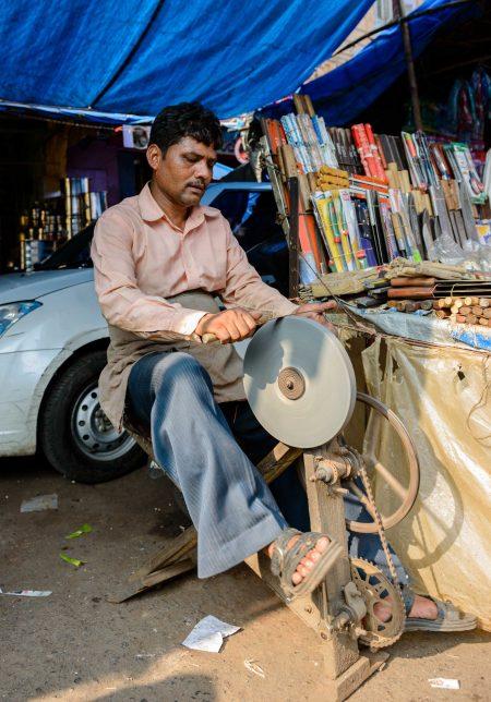 2012 Oct : Mumbai India Visit : Chor Bazaar Knife Sharpening