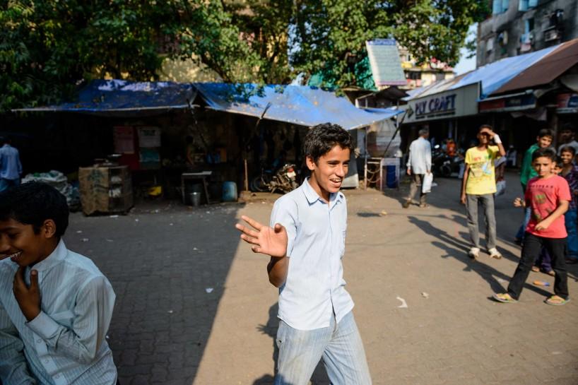 2012 Oct : Mumbai India Visit : Chor Bazaar Kids Running