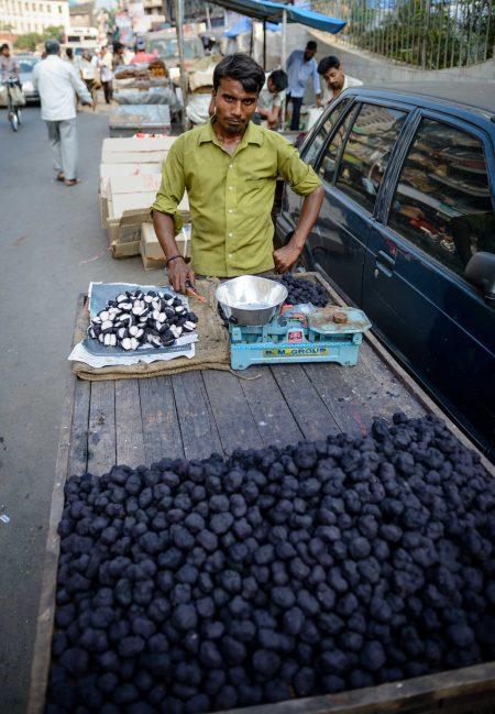 2012 Oct : Mumbai India Visit : Chor Bazaar Sales