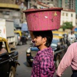 2012 Oct : Mumbai India Visit : Chor Bazaar People Watching 6