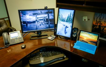 Surface Pro 3 : Three Monitor Desktop Setup