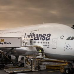 Frankfurt Airport : Lufthansa Airbus A380 Close: 2015-02-08