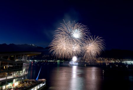Canada Day Fireworks - Canada Place, Vancouver, BC - 2015-07-01 : 6