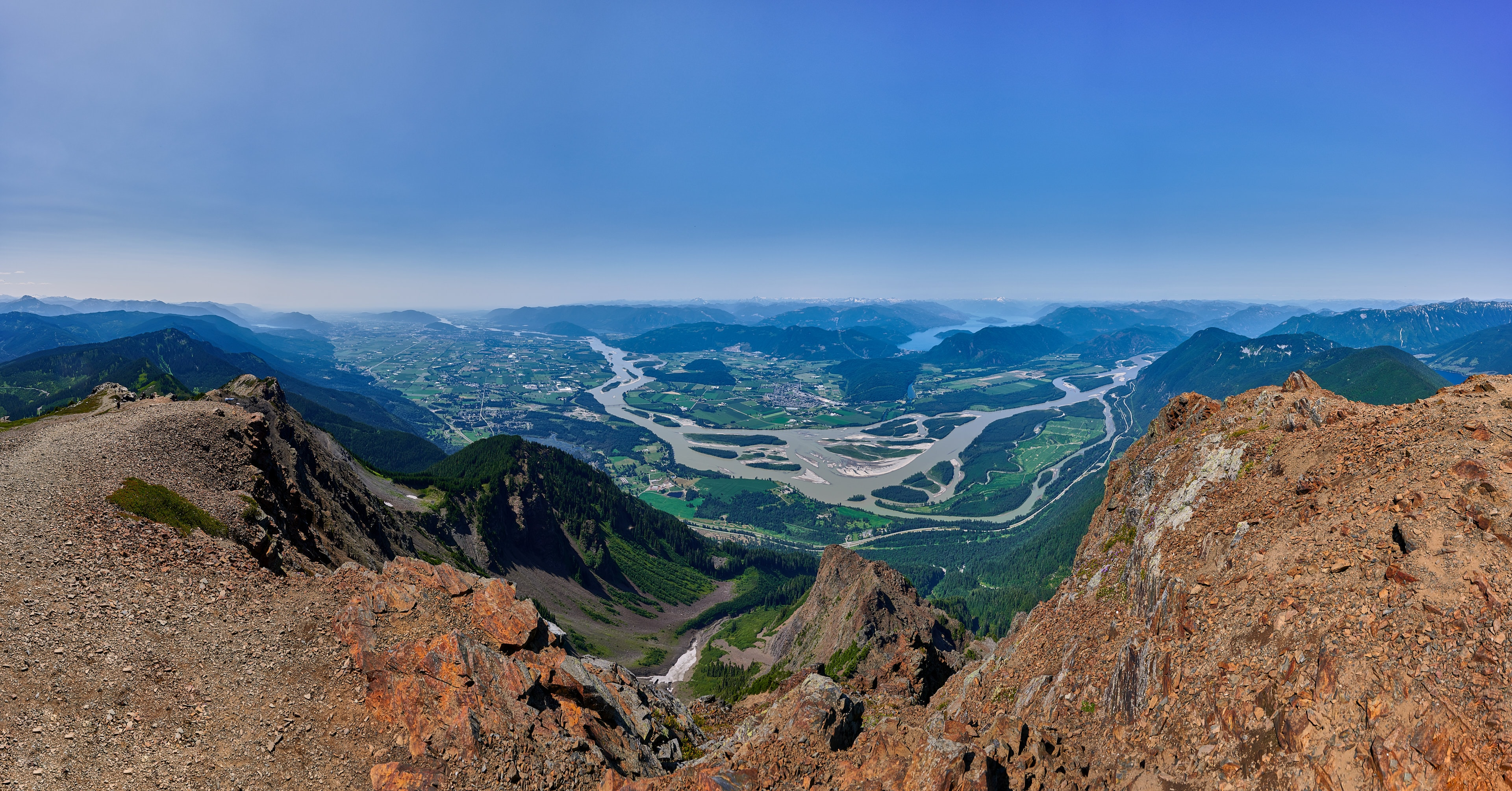 Cheam Peak Panorama with Nikon Z7 and Nikkor 14-30 f/4 S