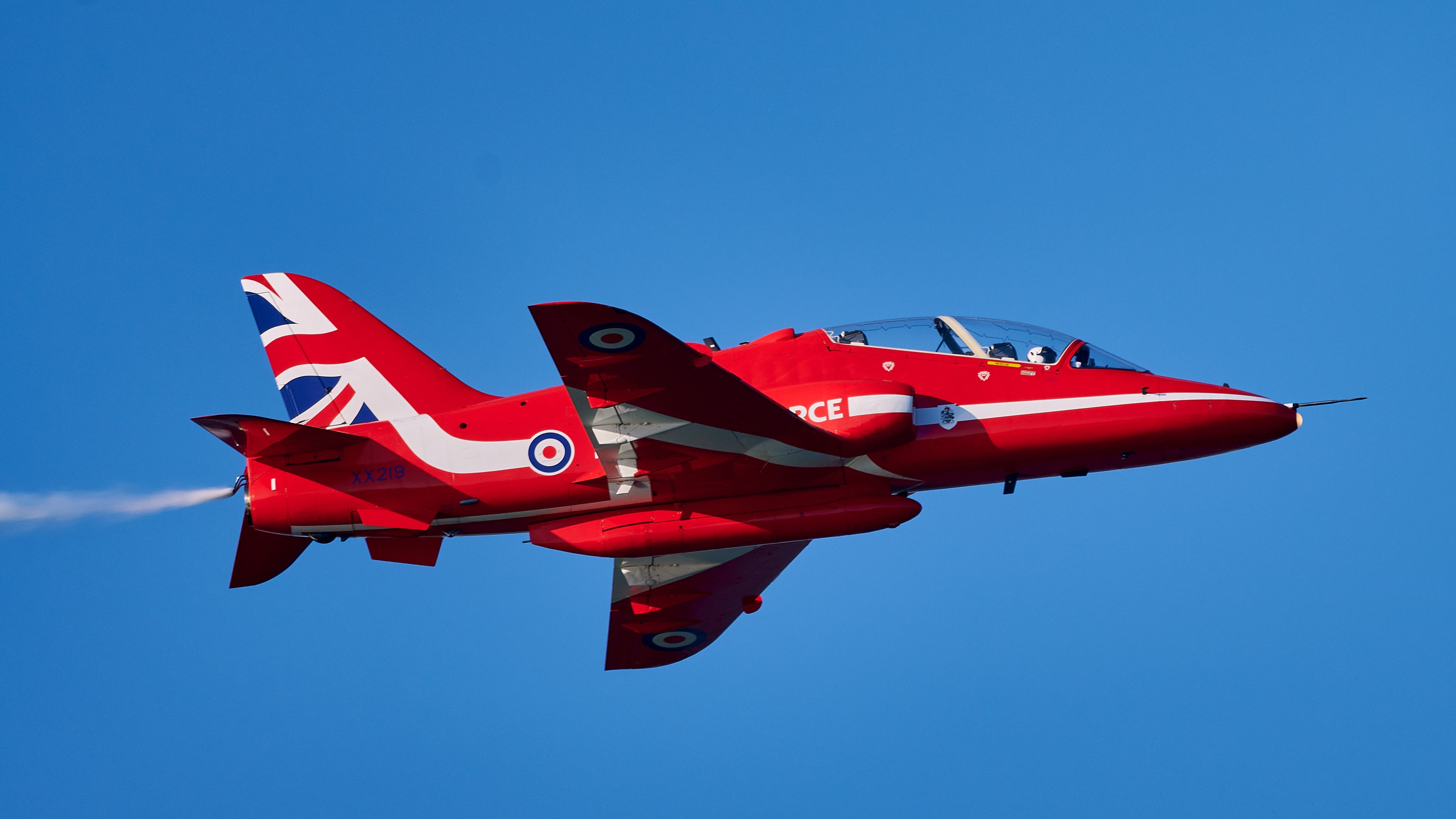 RAF Red Arrows : Close up with tail injector